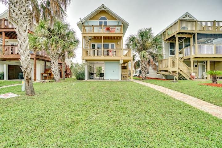 Modern Beach House with Multi-Level Decks, Beach Access and Ocean Views