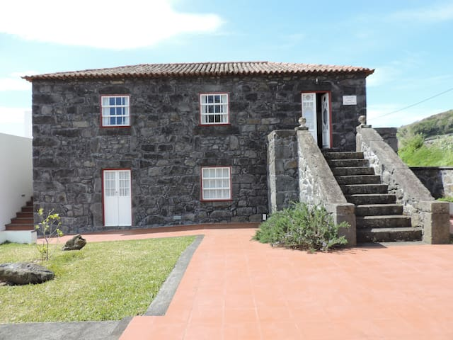 CASA DO AVÔ - Velas - House