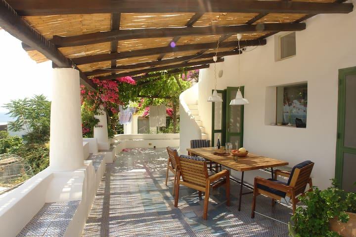 Casa Paolo&Manu - Panarea - วิลล่า