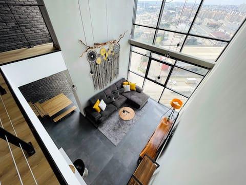 Next to the metro stat. 13th floor Luxury Loft apt