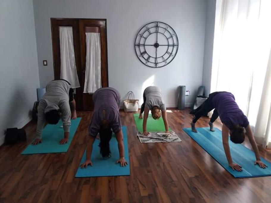 1 Clase de Yoga gratis de prueba pedir informes