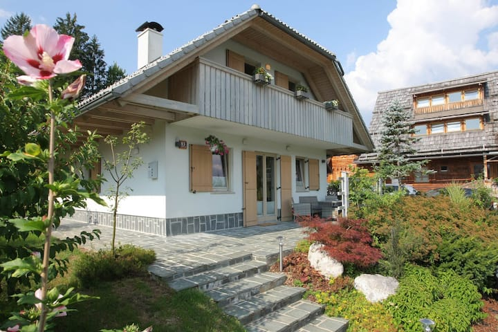 Cozy family home minutes from Lake Bohinj!