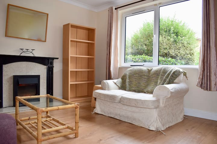 Comfy and calm one bedroom flat in Harold's Cross