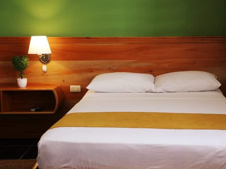 Habitación Matrimonial + cama adicional ESPAÑOLA