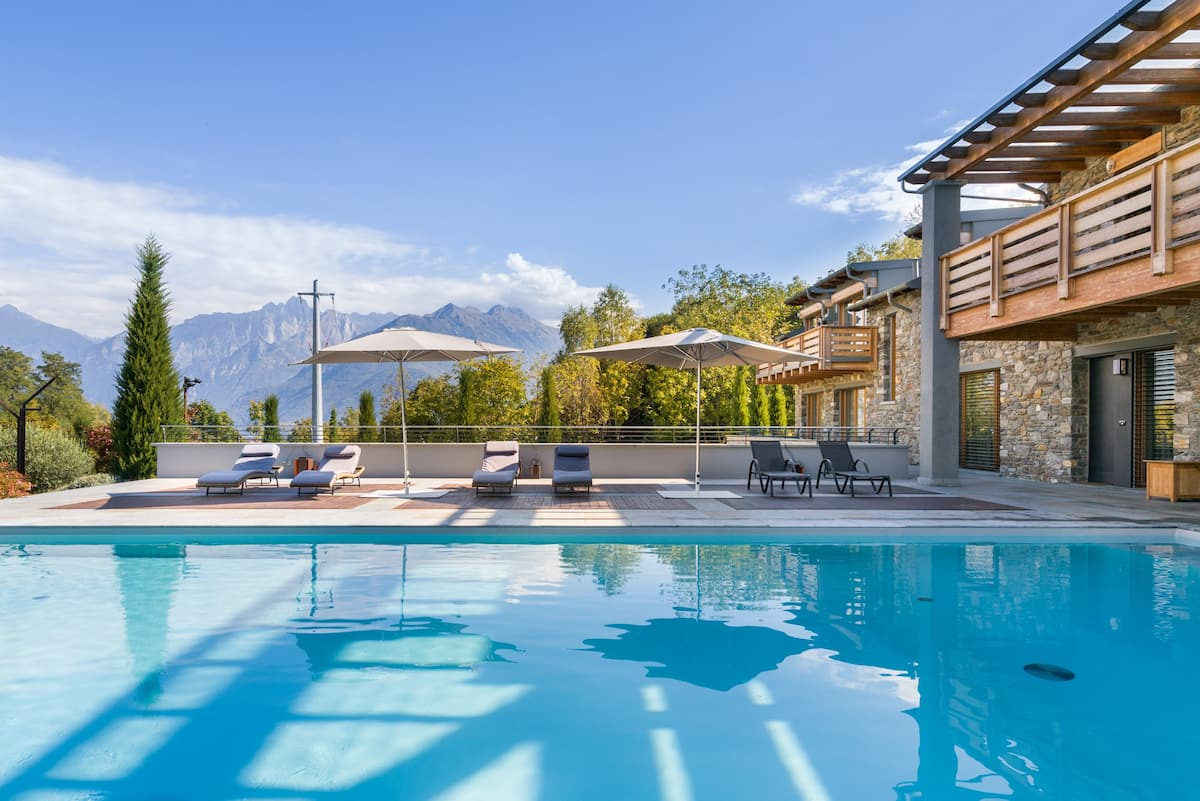 Luxurious Lake Como Villa with Stunning Views of Nature