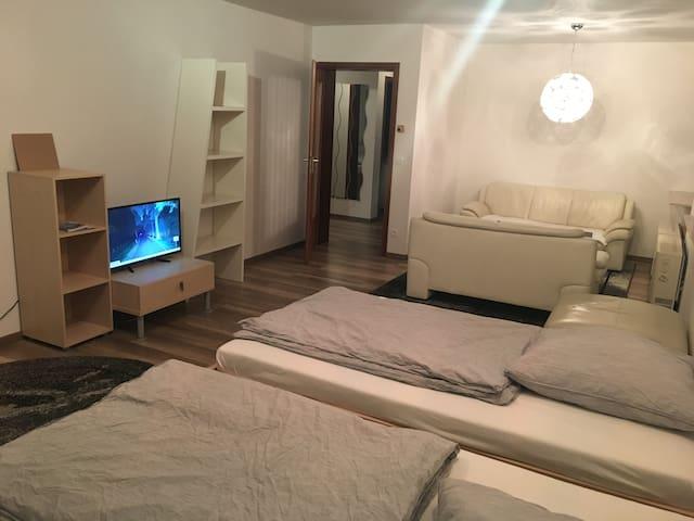 Monteurwohnung 70 qm mit 5 Betten Monteurzimmer