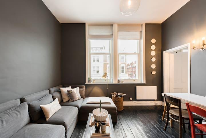 Designer Bright Central 1-Bed Flat