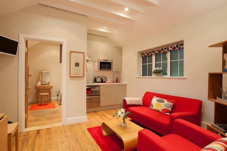 3 (4) luxury self-catering, Pewsey, Wilts - Pewsey - House