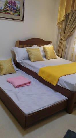 Pension House - Room 3 (Mauban, Quezon) - Mauban - Bed & Breakfast