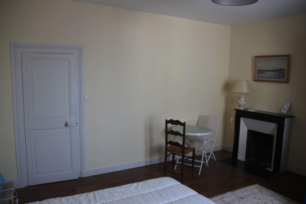 chambres priv es quartier cath drale maisons louer bourges centre val de loire france. Black Bedroom Furniture Sets. Home Design Ideas