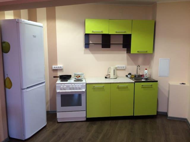 2-комнатная квартира-студия за 2200 в сутки - Ulan-Ude - Flat