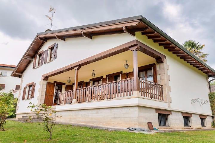 Rural House Casa Javier Lacunza