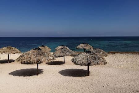 Durmiendo en La Playa.