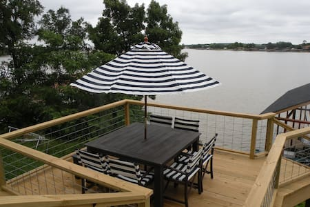 Private, lake-front, guest suite, on Lake Granbury - Granbury - Lakás