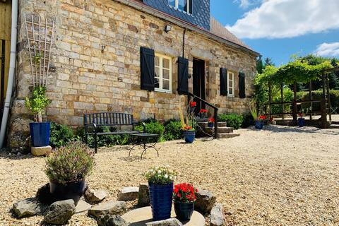 Le Bas Chesnay Cottage (Gite), peaceful location