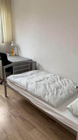 Einzelzimmer Menhir Rossdorf Nr_2