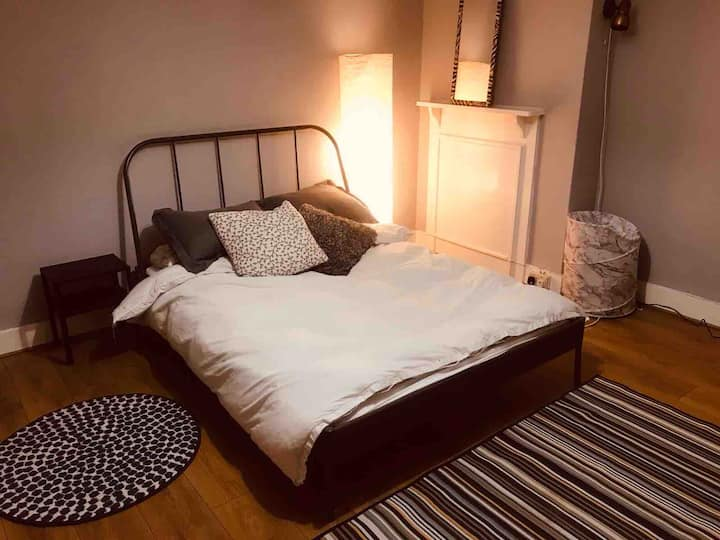 Double bedroom to rent
