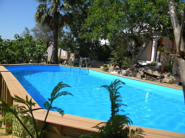 Ferienhaus für 8 Leute mit Pool und Klimageräte - Santa Catarina da Fonte do Bispo - Dom wakacyjny