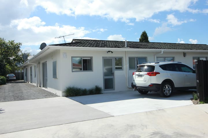 Rose Apartments Unit 1 Central Rotorua
