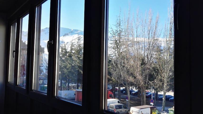 Apartamento en la plaza, acogedor y cómodo - Sierra Nevada - Appartement