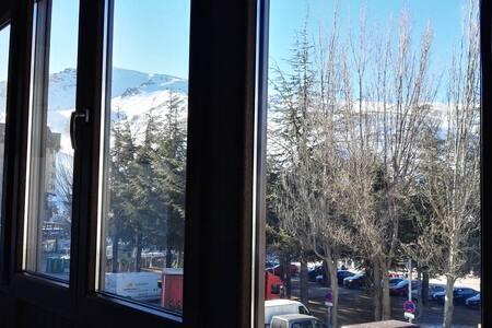 Apartamento en la plaza, acogedor y cómodo - Sierra Nevada