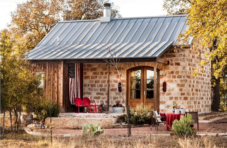 Double Deer Ranch- Coyote | Romantic Getaway