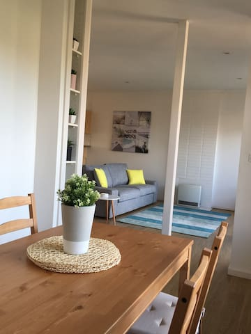 The Beach Apartment - Glenelg North - Wohnung
