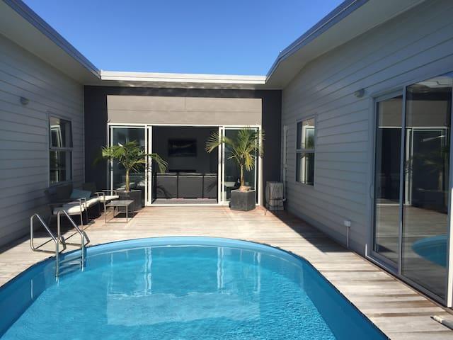 Large Modern Wainui House