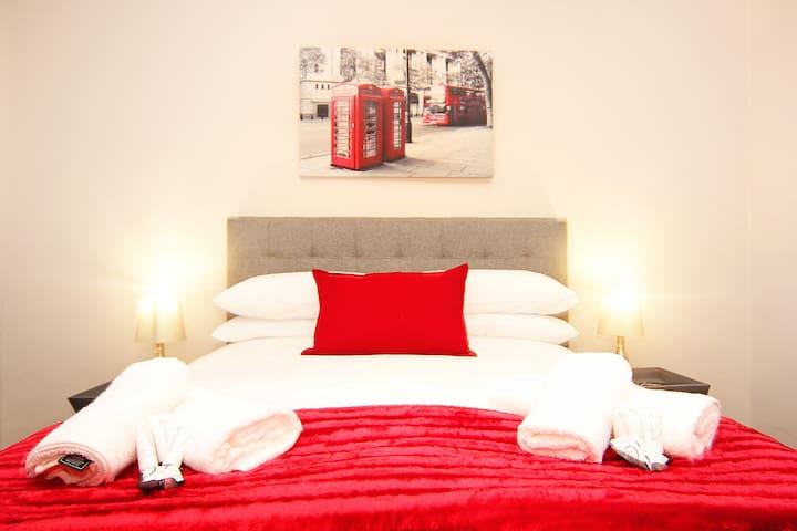 Belle Vue Bed and Breakfast Courtyard Suite
