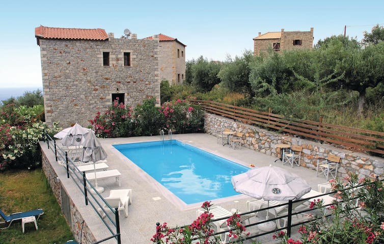 Holiday cottage with 2 bedrooms on 80m² in Agios Nikolaos P.