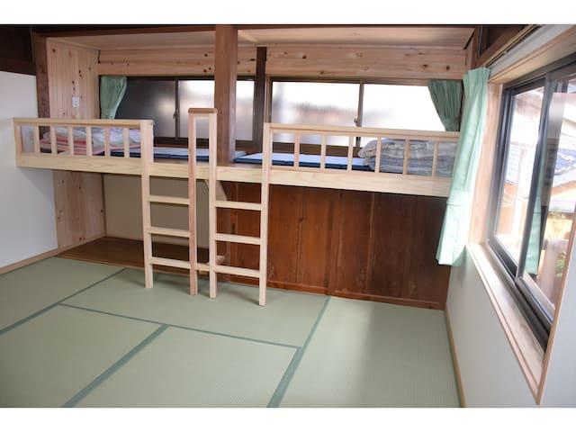 [5人が泊まれる]家族旅行・グループ旅行におすすめの宿(ロフト付きのお部屋)