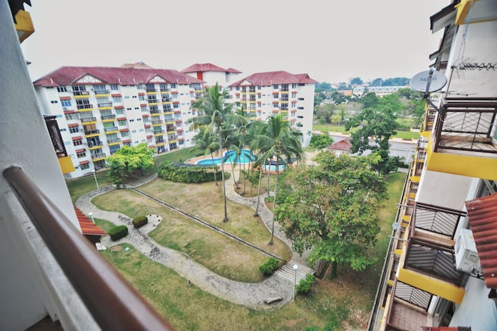 Laguna Holiday Resort(Vintage Wood) - Port Dickson