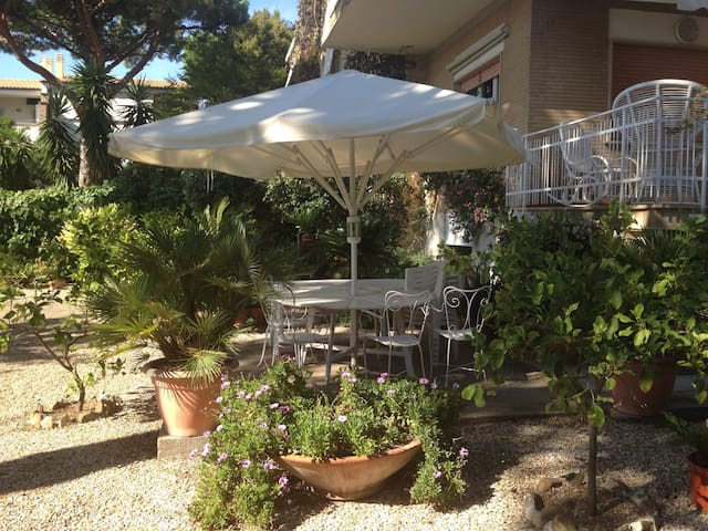 Seaside villa with garden near Rome - Santa Marinella - Villa