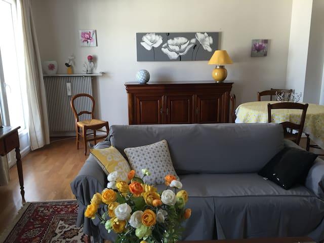 Appartement avec balcon hypercentre - Périgueux - Lejlighed