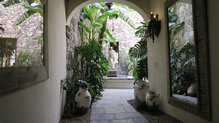 Villa Las Palomas SMA, Mexico