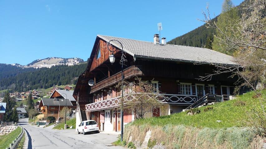 Gai Soleil Rez - Châtel - House