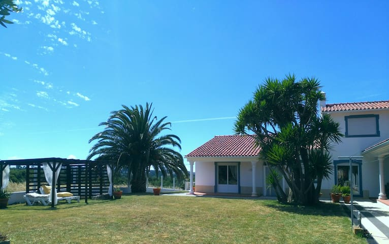 Quinta-da-Carrila | Summer House | Entire Villa - Turquel - Hus