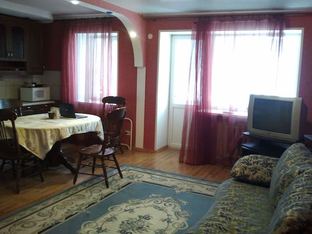 3-х комнатная квартира с евроремонтом - Orenburg Oblast - Apartamento