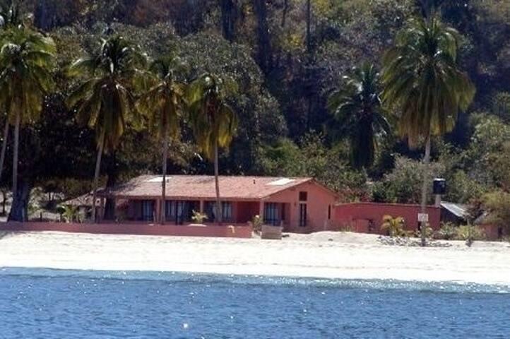 Casa Pelicanos Quimixto South Bay