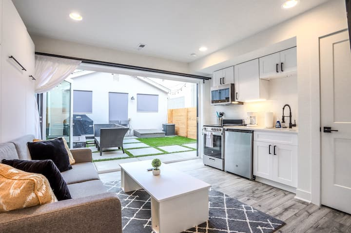 BRAND NEW - Jeff Park Guesthouse