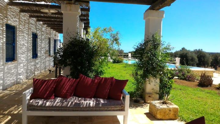 Masseria Auina stanze piscina privata spazi comuni