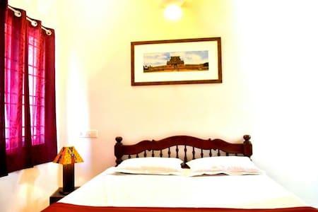 AC Double bed room Auroville - Periyamudaliarchavady