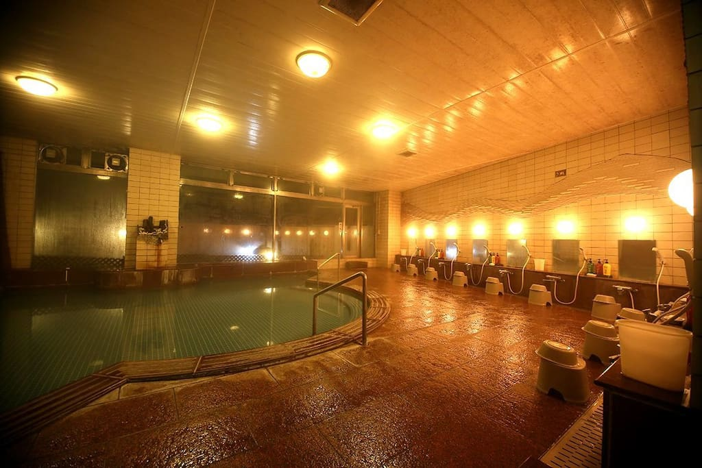 Hot spring bath for our guests, free of charge.