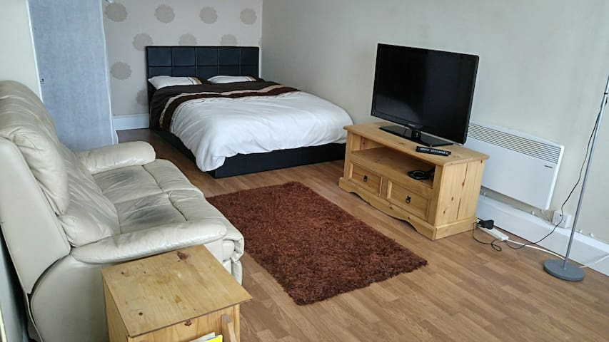 No1 Studio Apartment-Peacehaven - Telscombe Cliffs - Apartment