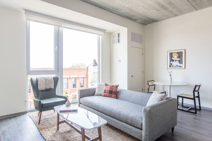 Sonder | The Western | Bright 1BR + Rooftop