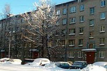 Сдаю 3-х комн кв по суткам за 1000 - Dzerzhinsk