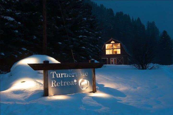Turnerville Retreat