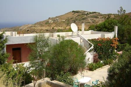 Giannis  paradise - House