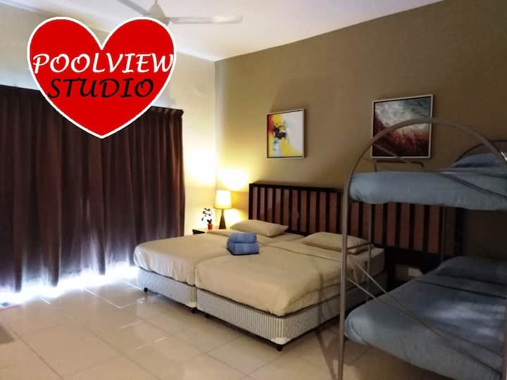 4 pax Water Park/Pool view Studio@Gold Coast Morib
