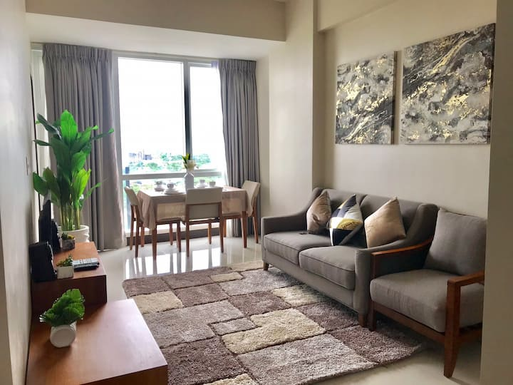 1-BR Oceanview Unit- Wifi, Netflix, Beach access